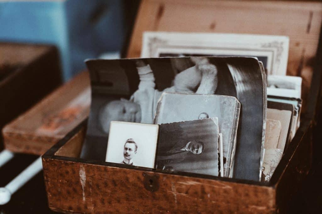 Old family photos to make a wedding book