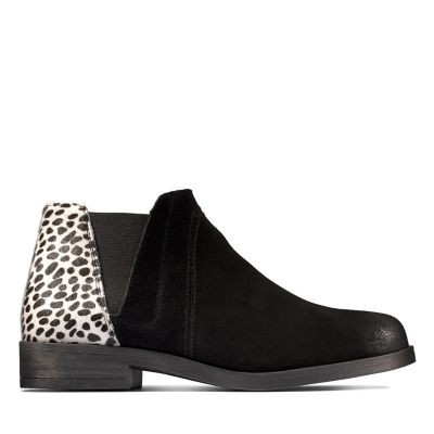 Stylish black and leopard print ankle boots in wide fitting by Clarks